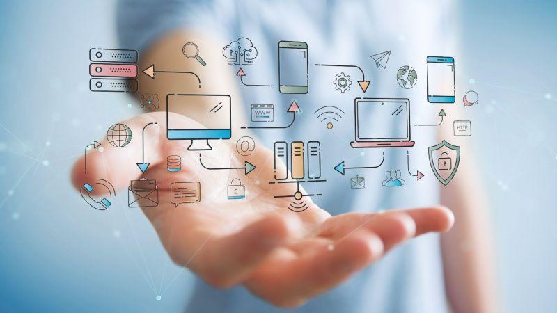Symbolbild: Informations- und Kommunikationstechnik spielt eine große Rolle bei der Digitalisierung des Energiesystems.