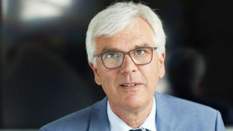 Porträt Professor Ulrich Wagner