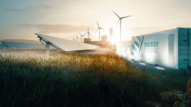 Erneuerbare Energien für smarte Städte bei Sonnenuntergang (Symbolbild)