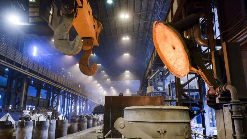 Einblick in das Stahlwerk Bous im Saarland