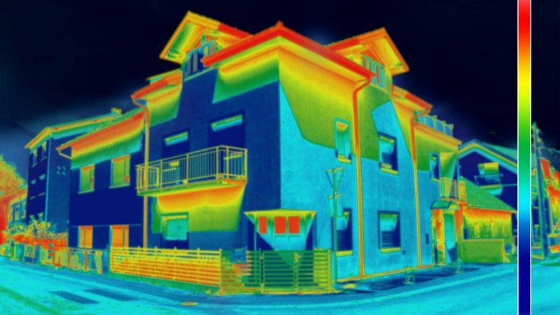 Infrarotbild eines Wohngebäudes