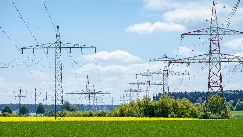 Freileitung Strommasten für die Übertragungsnetze