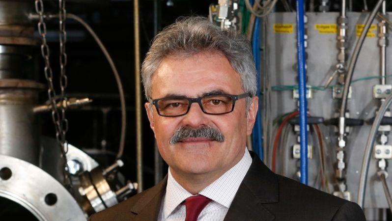 Prof. Dr.-Ing. Manfred Aigner vom Deutschen Forschungszentrum für Luft- und Raumfahrt (DLR) koordiniert die Begleitforschung zur Forschungsinitiative Energiewende im Verkehr.
