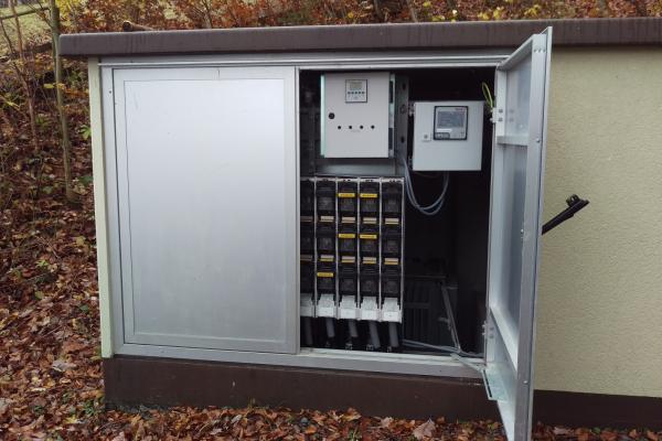 Eine Ortsnetzstation aus dem Feldversuch des Projekts i-Automate in Korbach